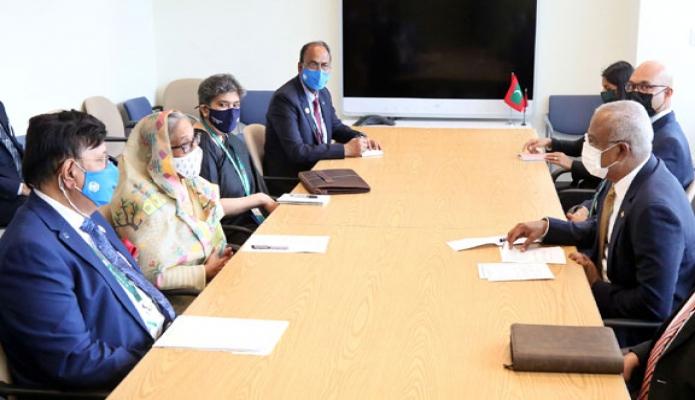 বৃহস্পতিবার  প্রধানমন্ত্রী শেখ হাসিনা নিউইয়র্কে জাতিসংঘ সদরদপ্তরে মালদ্বীপের রাষ্ট্রপতি Ibrahim Mohamed Solih এর সাক্ষাৎ করেন -পিআইডি