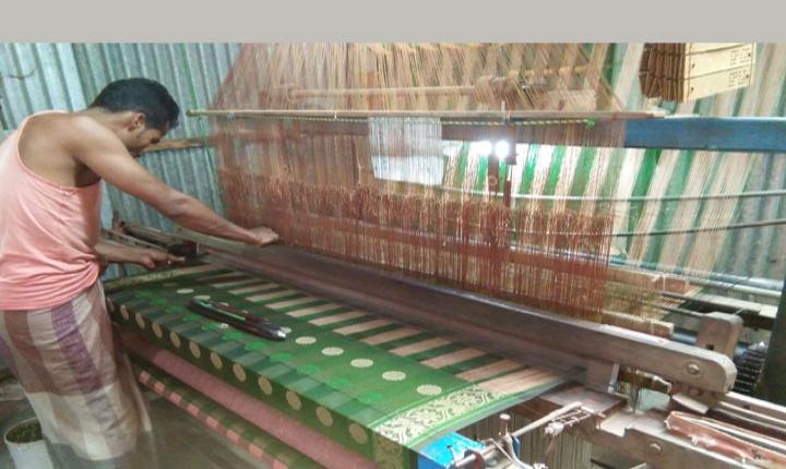 টাঙ্গাইলের তাঁত শিল্পের উন্নয়নে সরকারি হস্তক্ষেপ চায় তাঁত মালিকরা