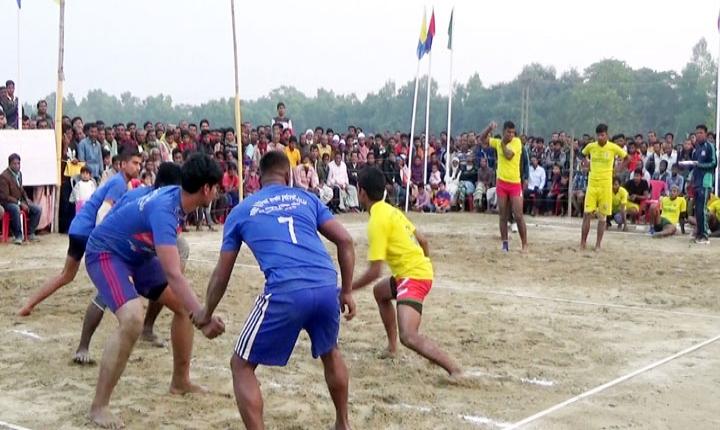 বদলগাছীতে বিজয় দিবসে কাবাডি প্রতিযোগিতা অনুষ্ঠিত